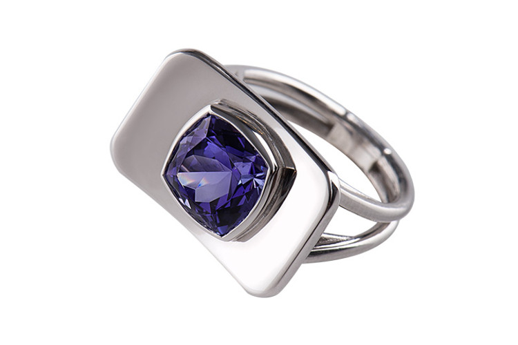 Contemporary jewellery from Paris in white gold with tanzanite.
