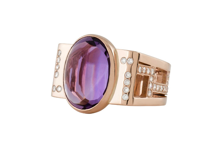 Bespoke jewellery ring in rosegold with amethyst and diamonds.