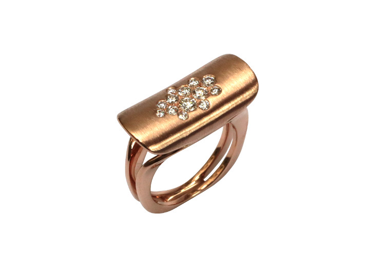 Ring T , contemporary, modern jewellery in rosegold with diamonds
