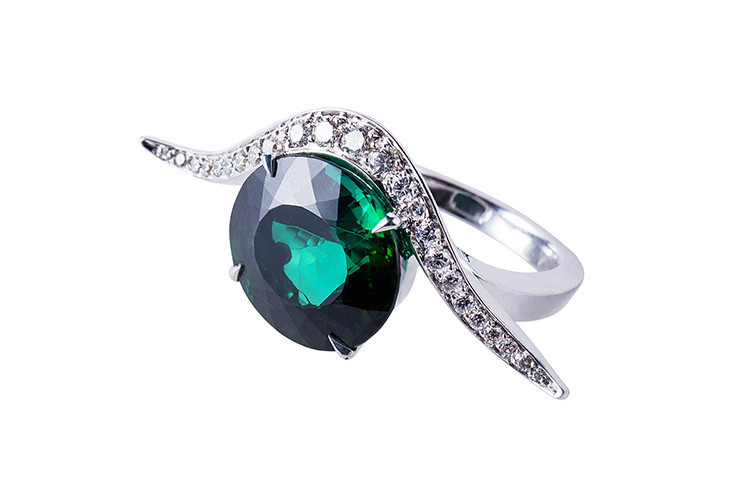 Tourmaline fine jewelry ring in white gold with diamonds, made in Paris.