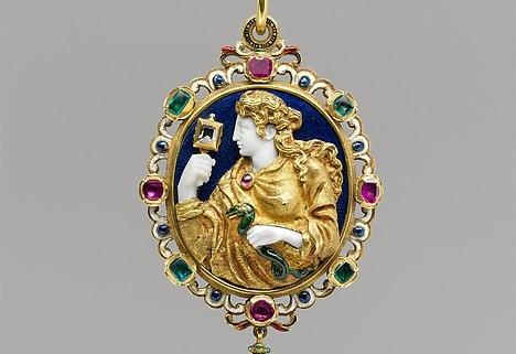 Vue de face d'un médaillon du 16ème siecle, vers 1550-1560.